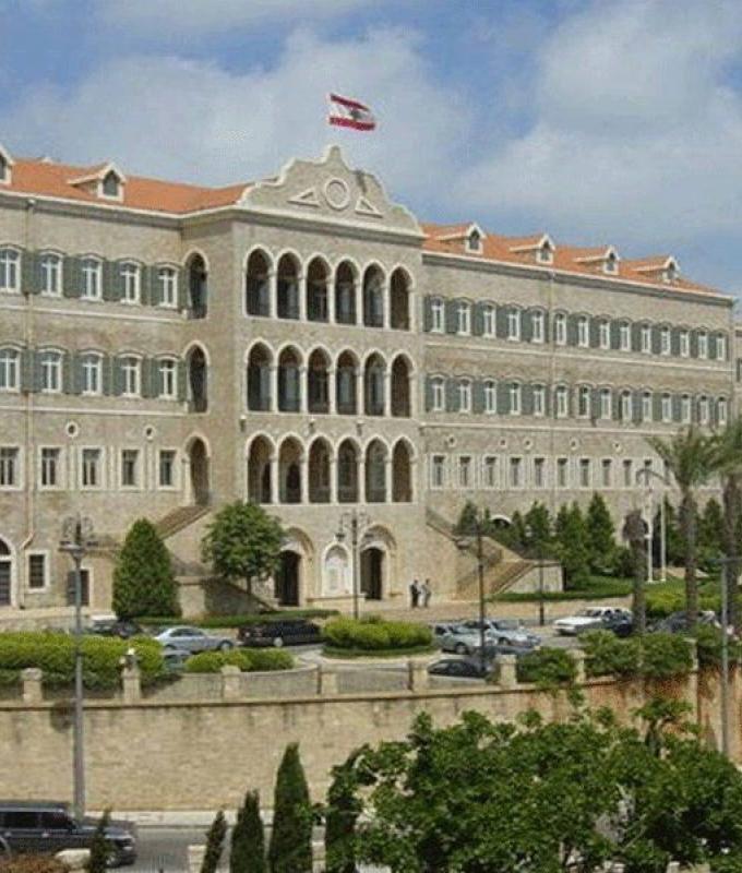 ذهبت الحكومة والمجلس باقٍ: بيروت تحتَ إمرة العسكر…