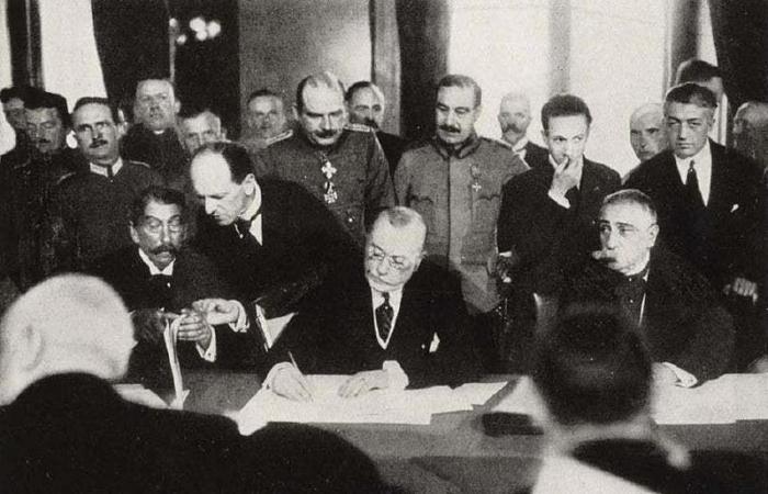 هكذا نجت هذه الدولة من اتفاقية مذلّة بالحرب العالمية