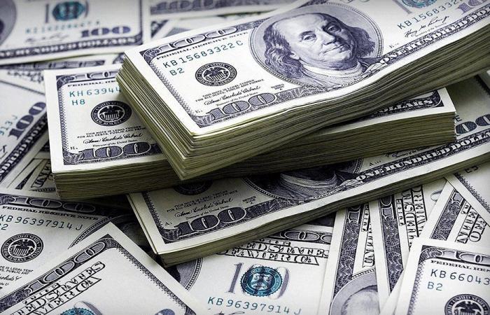 إليكم سعر صرف الدولار مقابل الليرة لدى الصرافين