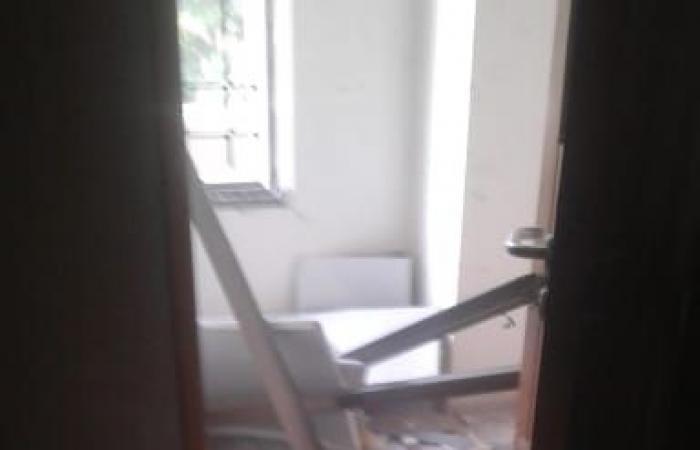 بالصور: أضرار كبيرة بمستشفى الزهراء في الجميزة جراء الانفجار