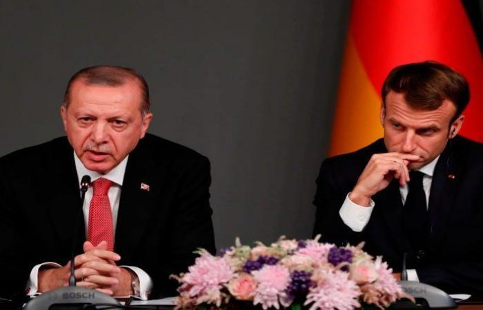 أردوغان: لمقاطعة البضائع الفرنسية