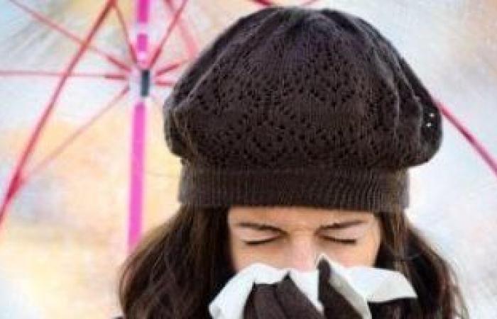 خبراء يطالبون بالاستعداد لمواجهة الأنفلونزا وكورونا معاً مع اقتراب الشتاء