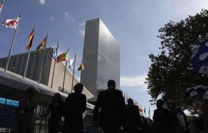 """""""كورونا"""" يضرب الأمم المتحدة"""