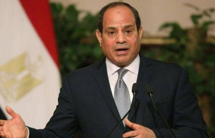 """السيسي يشيد بأداء حكومته في ظل """"كورونا"""""""