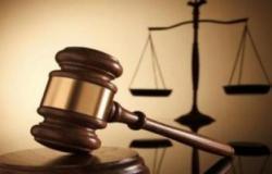 قاضي فاسد لا يحاسب موظف فاسد وان لبس عمامة والثوب الفضفاض